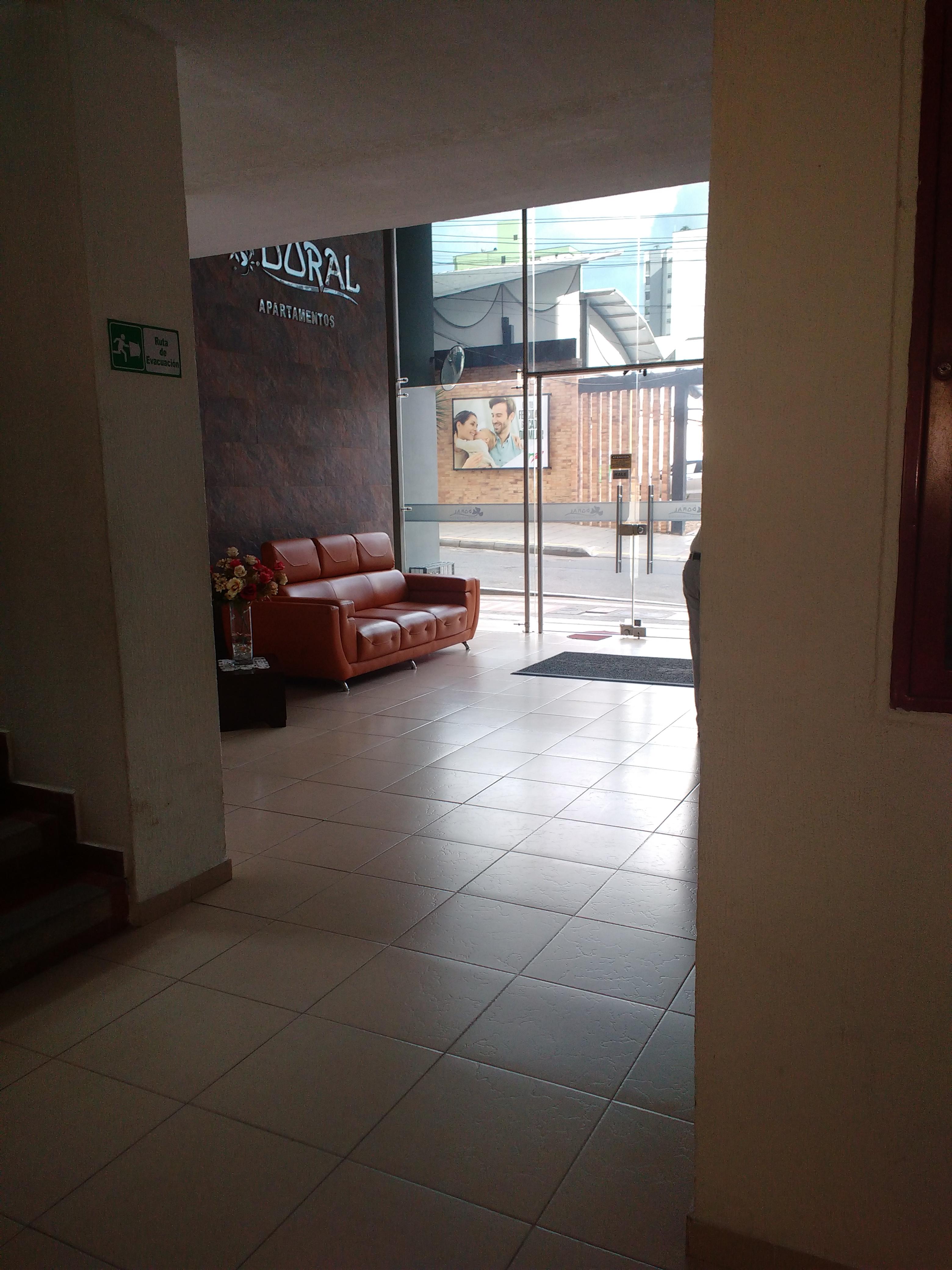 AA-5324 Apartaestudio en Antonia Santos edificio El Doral