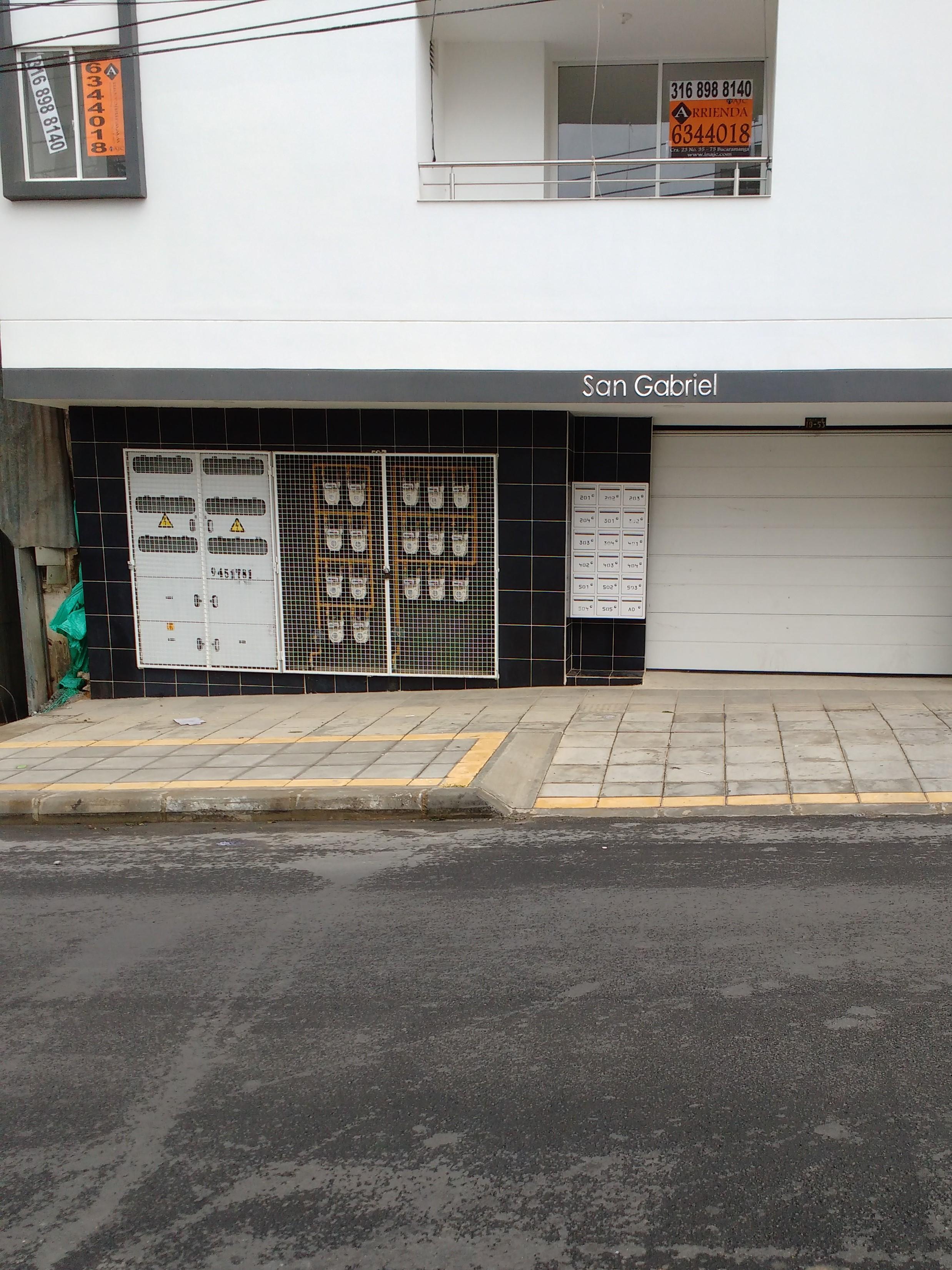 AA-5330 Apartaestudio en Comuneros edificio San Gabriel